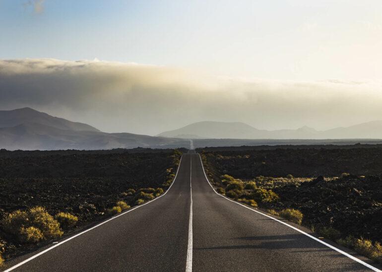 Carretera de Timanfaya en las Islas Canarias